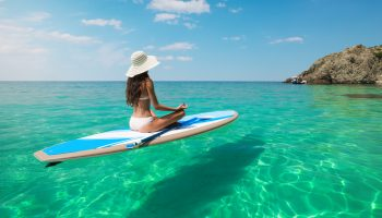 paddlboard-crystal-clear-water-aruba