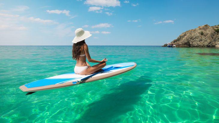 paddlboard-crystal-clear-water-aruba