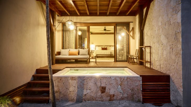 hotel-room-with-hot-tub-la-zebra-tulum