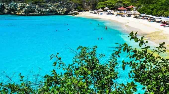 swimming-blue-water-caribbean-island-vacation