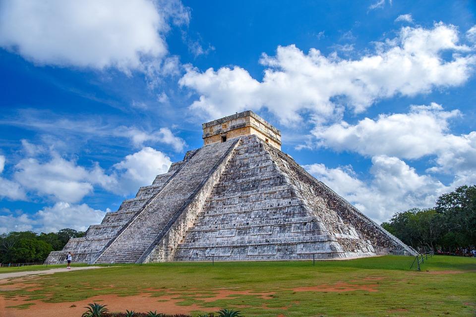 Chichén-Itzá-pyramid