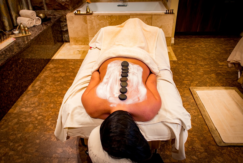 woman-getting-hot-stone-massage