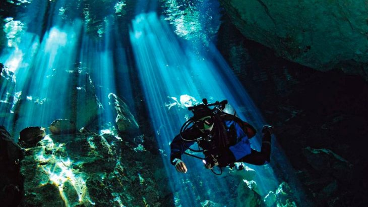diving-in-cenote-yucatan-mexico