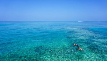 crystal-blue-caribbean-water-snorkelers