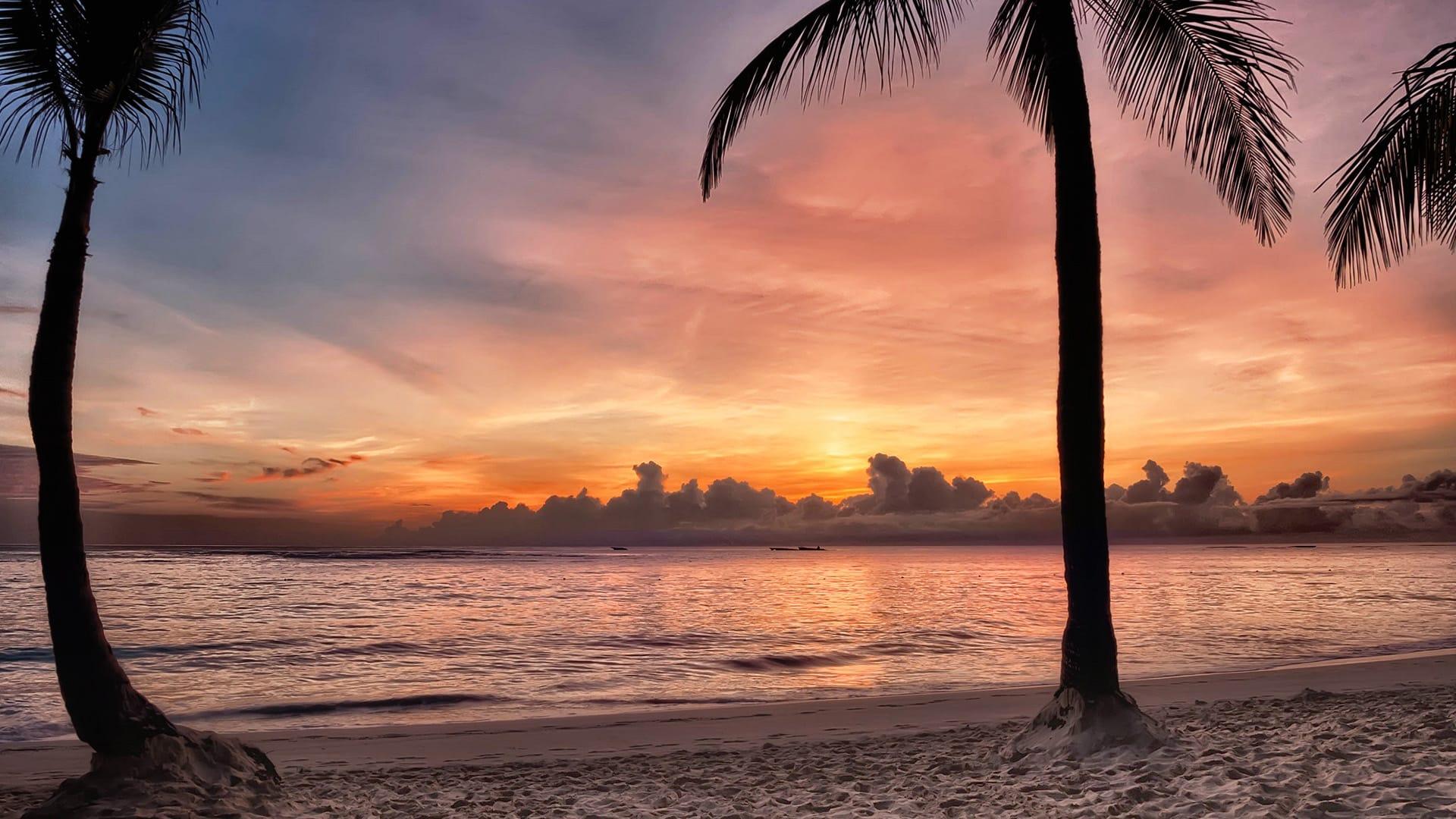 5 Easy Caribbean Getaways for a Last Minute Beach Vacation