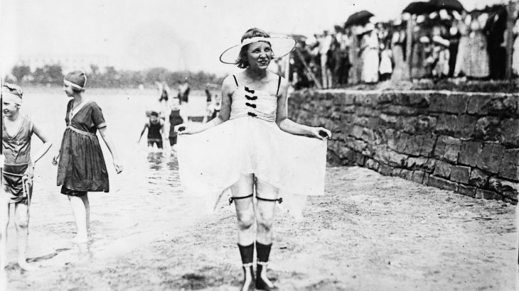1909-bathing-suit