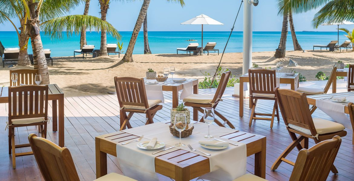 beachfront-restaurant-dominican-republic