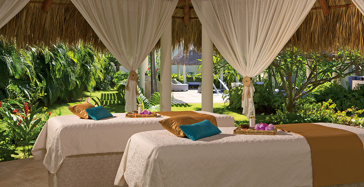 outdoor-massage-cabin-secrets-royal-beach-dominican-republic