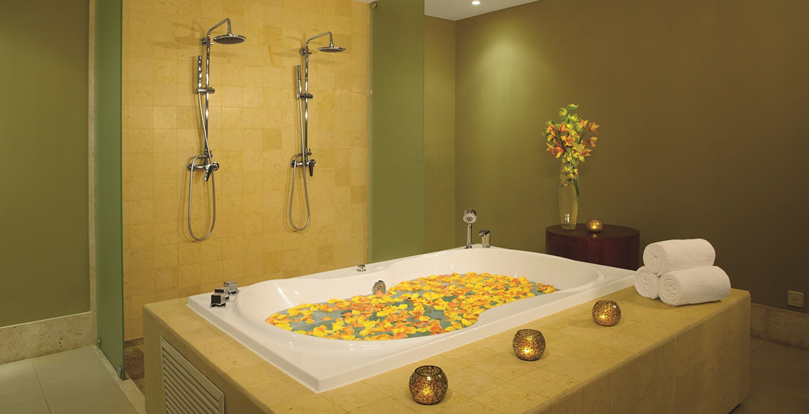 spa-tub-yellow-flowers-dominican-republic-resort