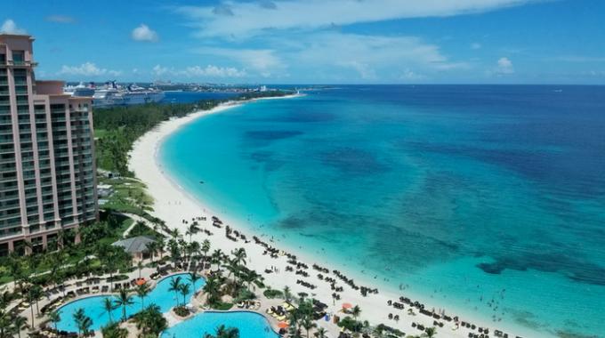 aerial-view-paradise-island-bahamas
