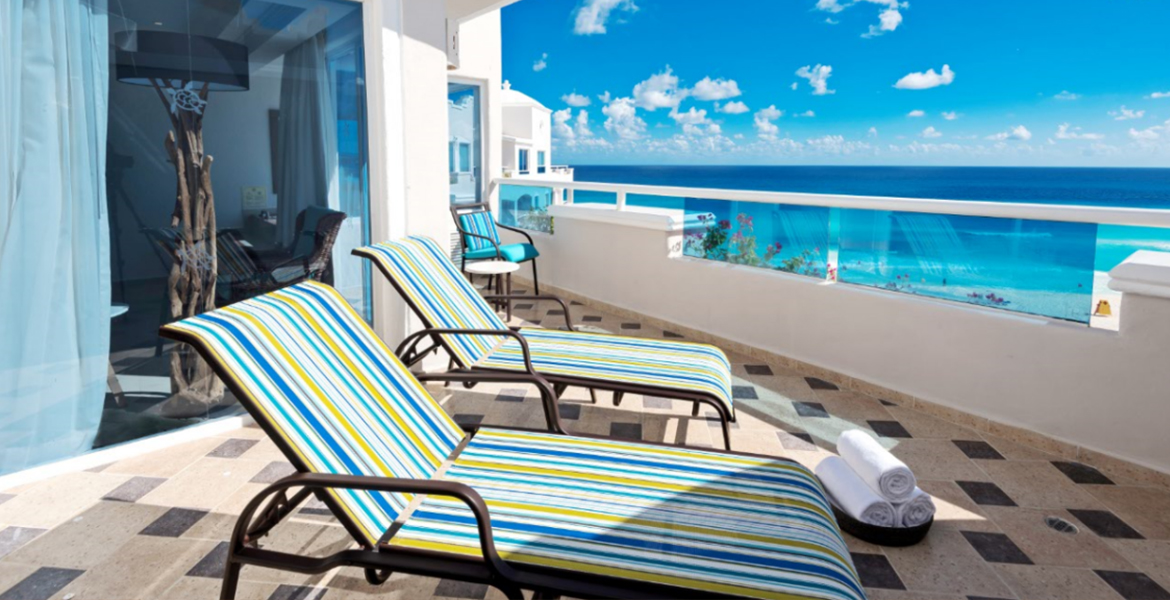 ocean-view-balcony-panama-jack-resorts-cancun