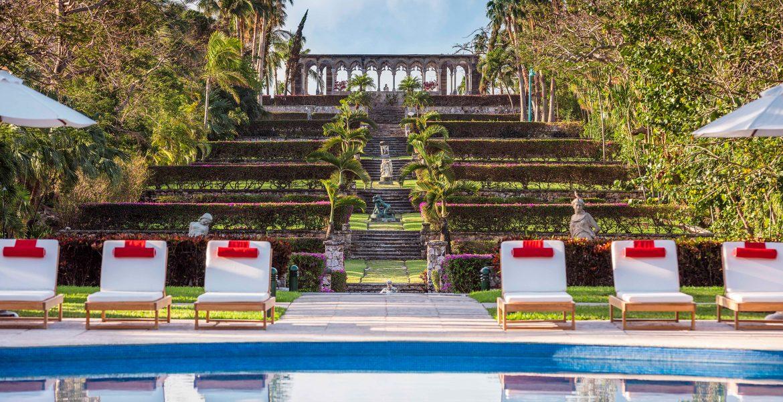 Versailles Pool