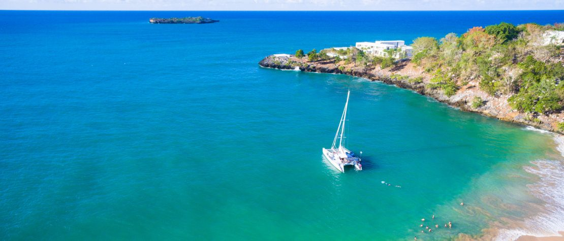 catamaran-turquoise-sea-cove