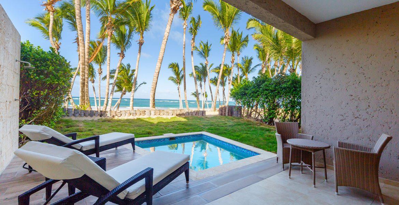 private-pool-beachside-le-sivory