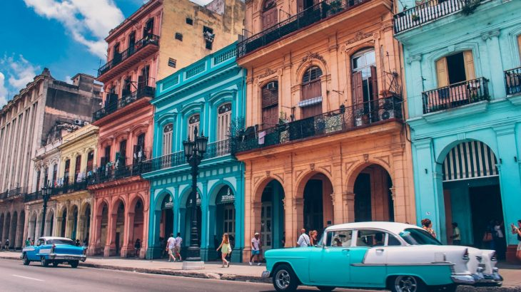 birhgt-colors-buildings-architecture-havana-cuba