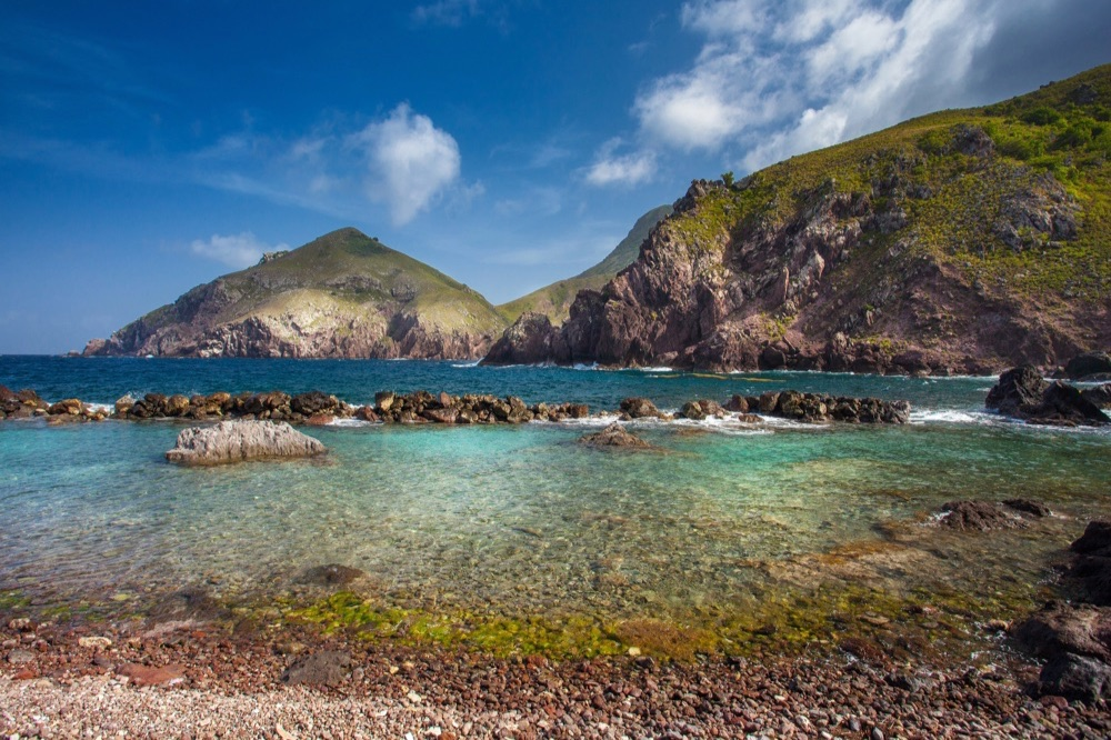cove-bay-saba-island