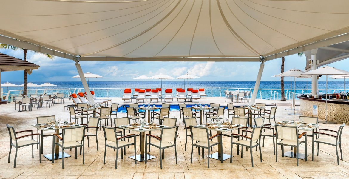 open-air-dining-cozumel-palace