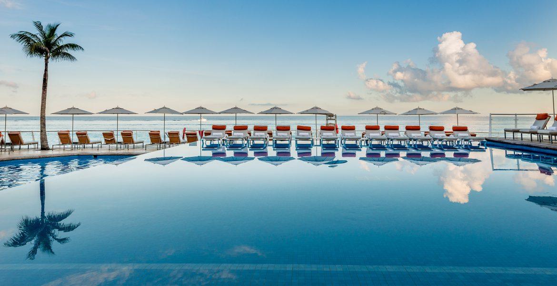 infinity-pool-cozumel-palace