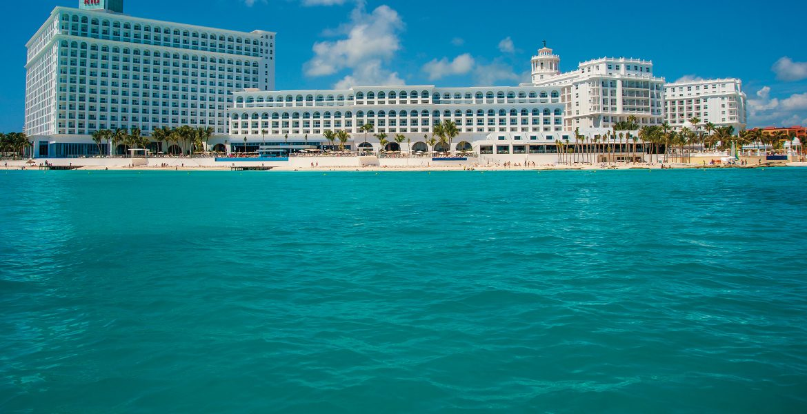 hotel-riu-cancun