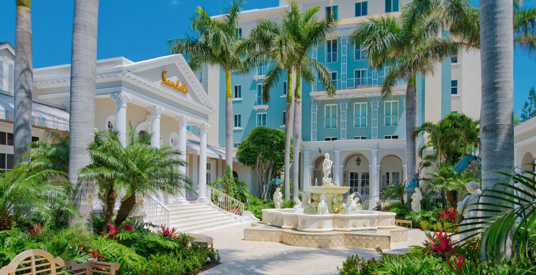 courtyard-sandals-royal-bahamian