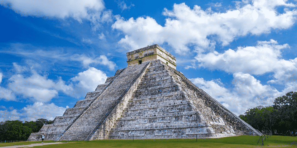 kulkukan-temple-chichen-itza-mexico