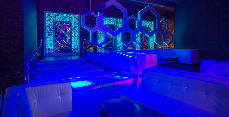 dark-nightclub-moon-palace-cancun