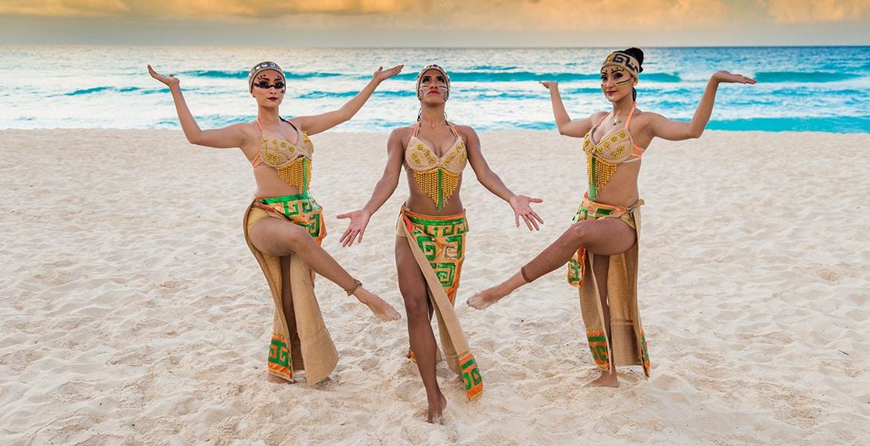 maya-show-performers-beach-gr-caribe-solaris