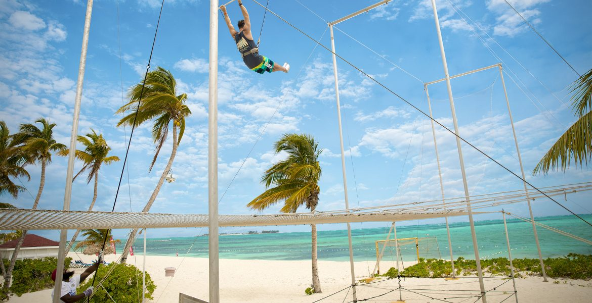 flying-trapeze-breezes-bahamas