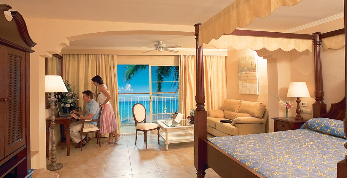 luxurious-suite-majestic-colonial-punta-cana