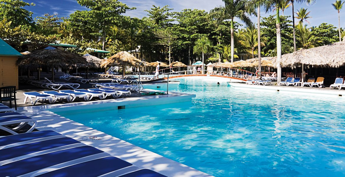 pool-playabachata-resort