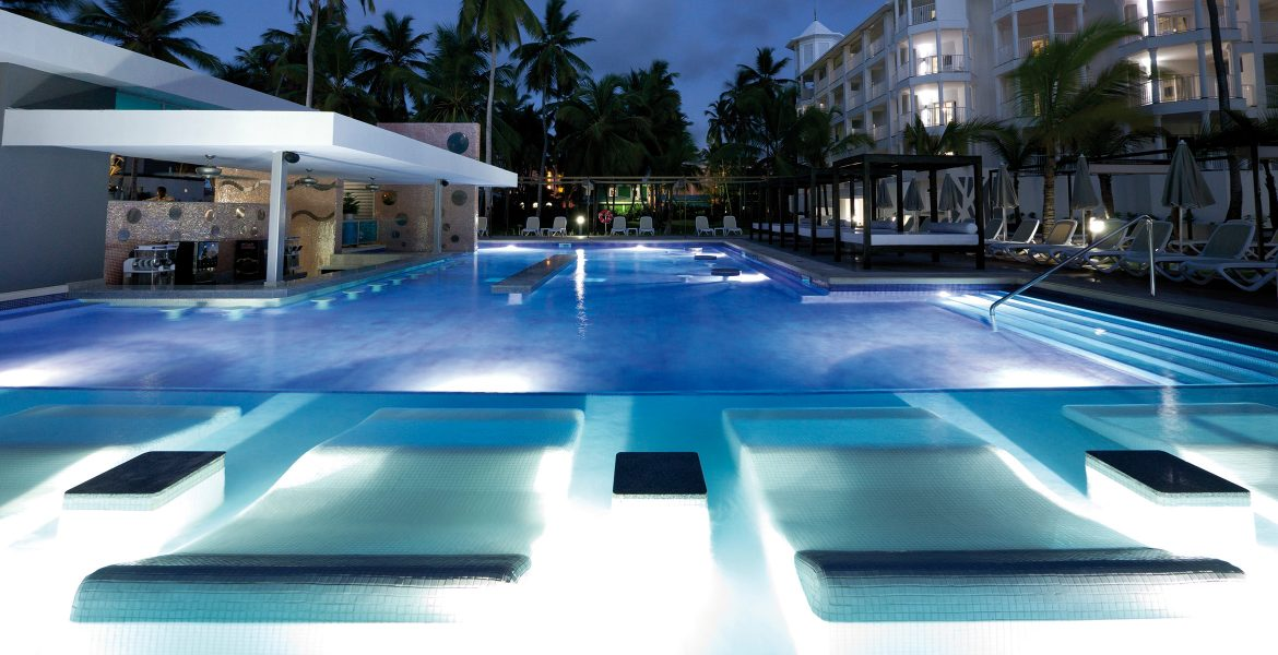 riu-macao-pool-nighttime