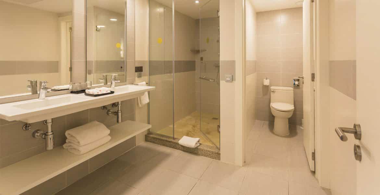 hotel-riu-republica-beathroom-suite