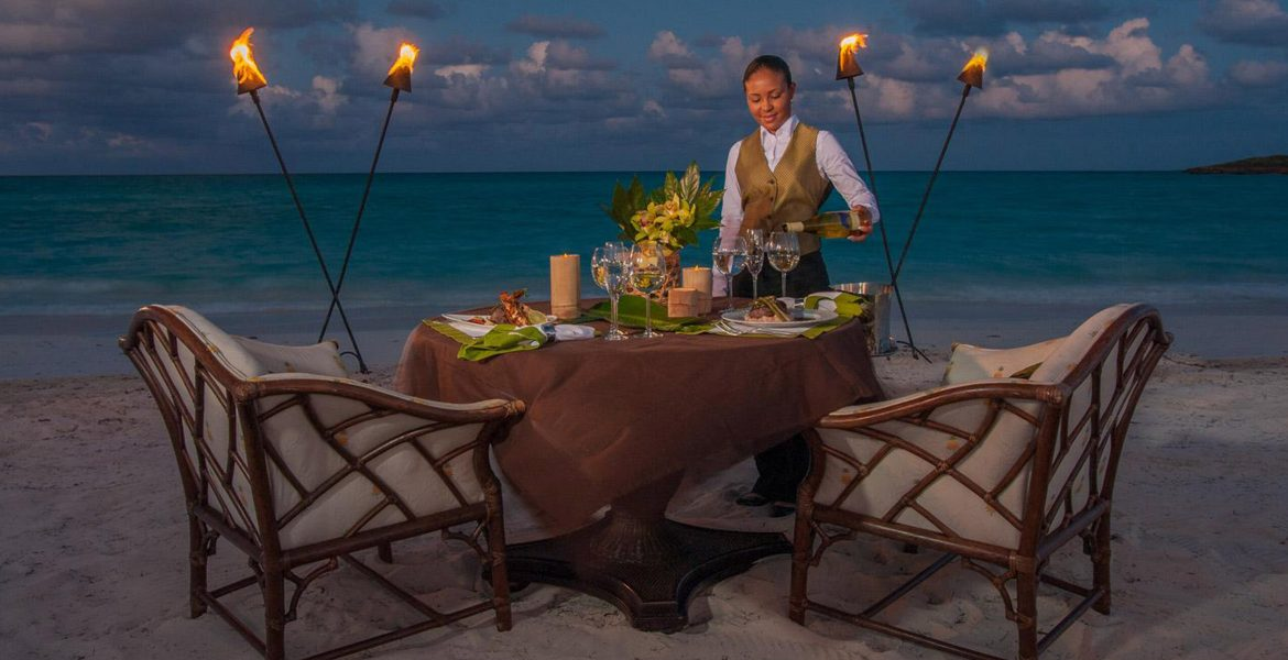 beach-dining-sandals-emerald-bay-exumas