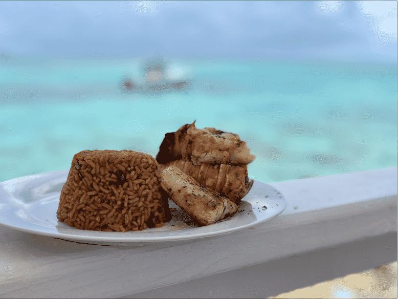 lunch-pearl-island-nassau-bahamas