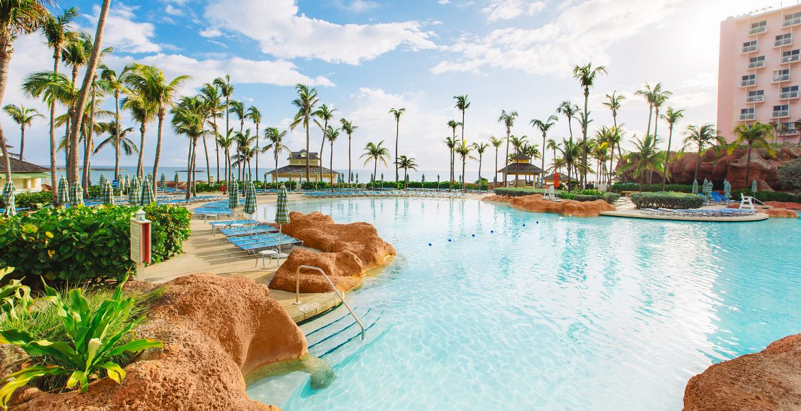 pool-beach-atlantis-paradise-island