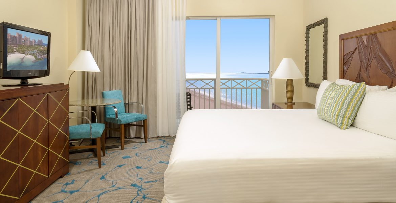suite-beach-atlantis-paradise-island