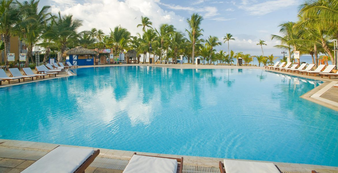 pool-viva-wyndham-dominicus-beach