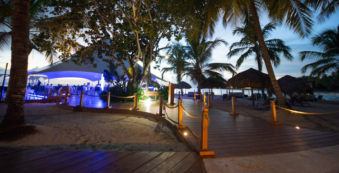 walkway-viva-wyndham-dominicus-beach