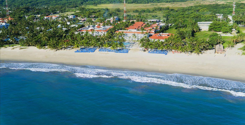 aerial-view-beach-viva-wyndham-tangerine