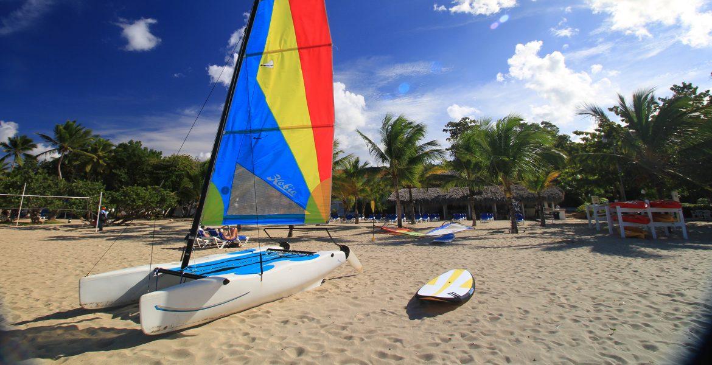 sailboat-viva-wyndham-v-heavens-dominican-republic