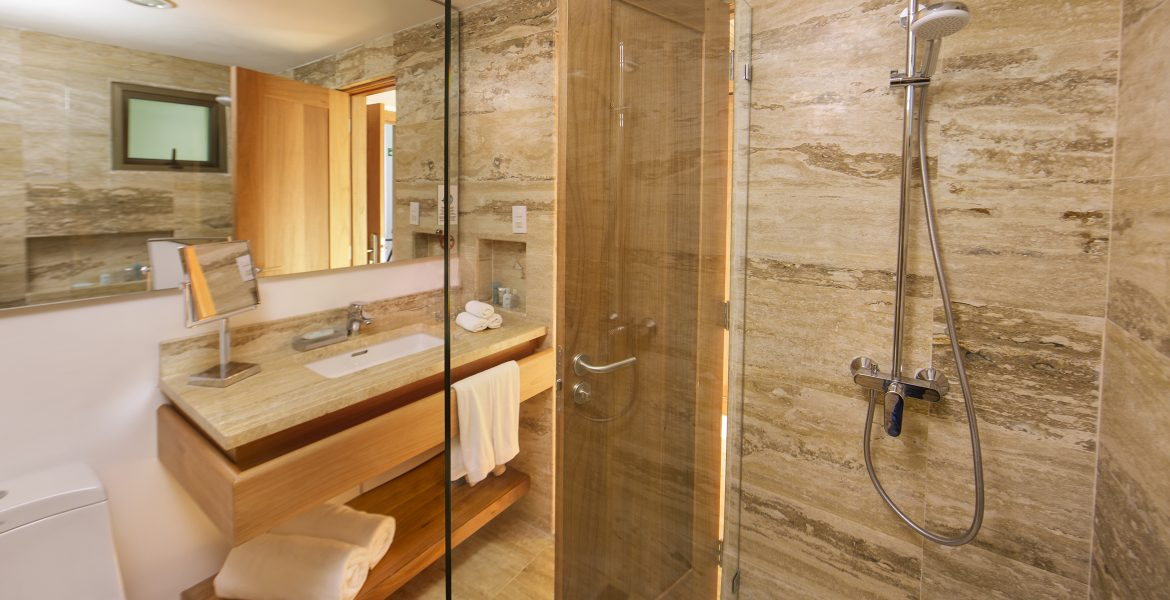 bathroom-viva-wyndham-v-samana
