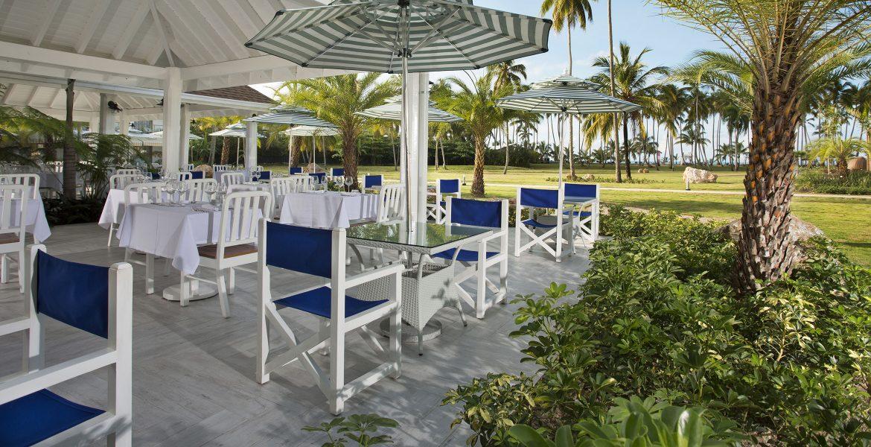 outdoor-dining-viva-wyndham-v-samana