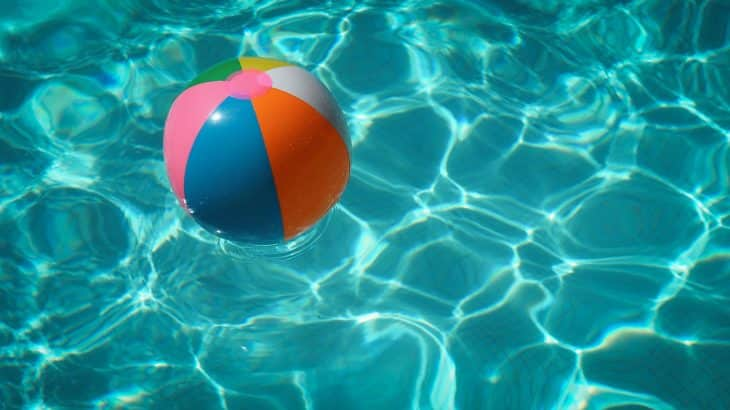 beach-ball-floating-pool