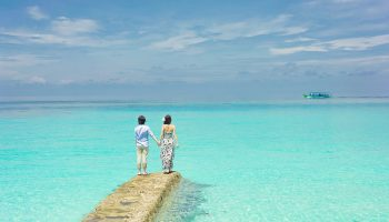 couple-honeymoon-ocean-turquoise
