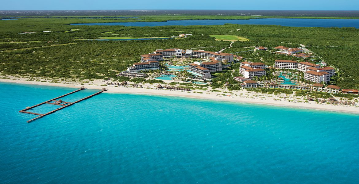 aerial-view-dreams-sands-cancun-resort