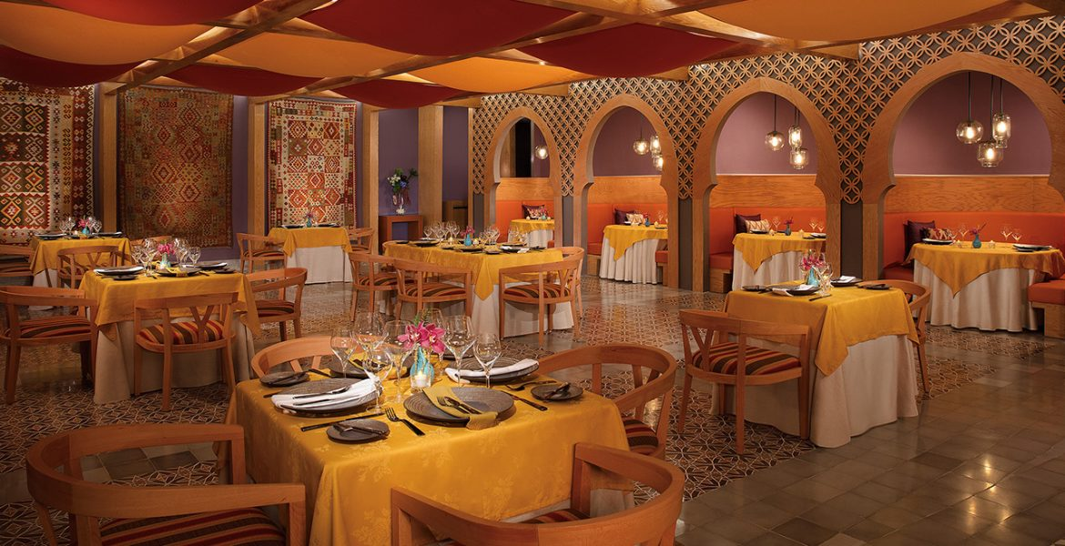 dining-dreams-sands-cancun-resort