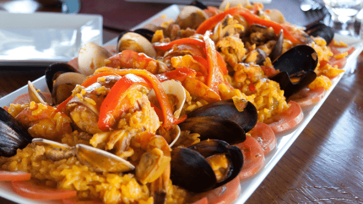 paella-turks-caicos-restaurant-las-brisas