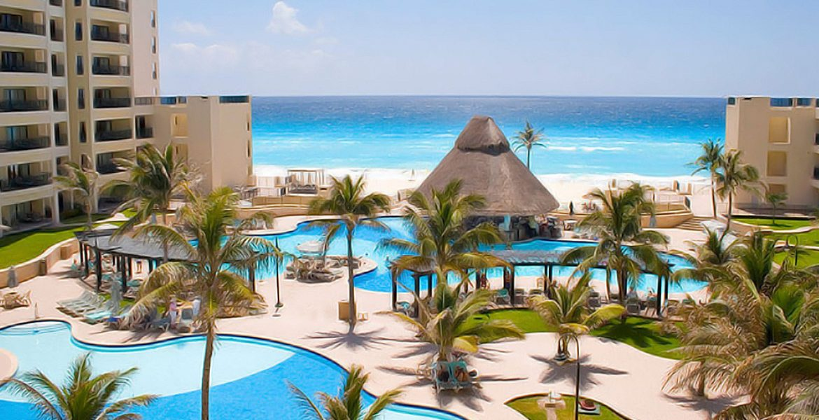 beachfront-pool-royal-sands-resort-spa-cancun