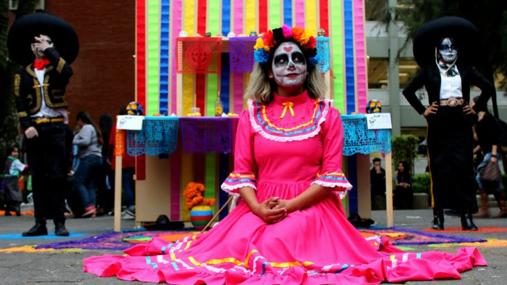 girl-dressed-day-of-the-dead-mexico