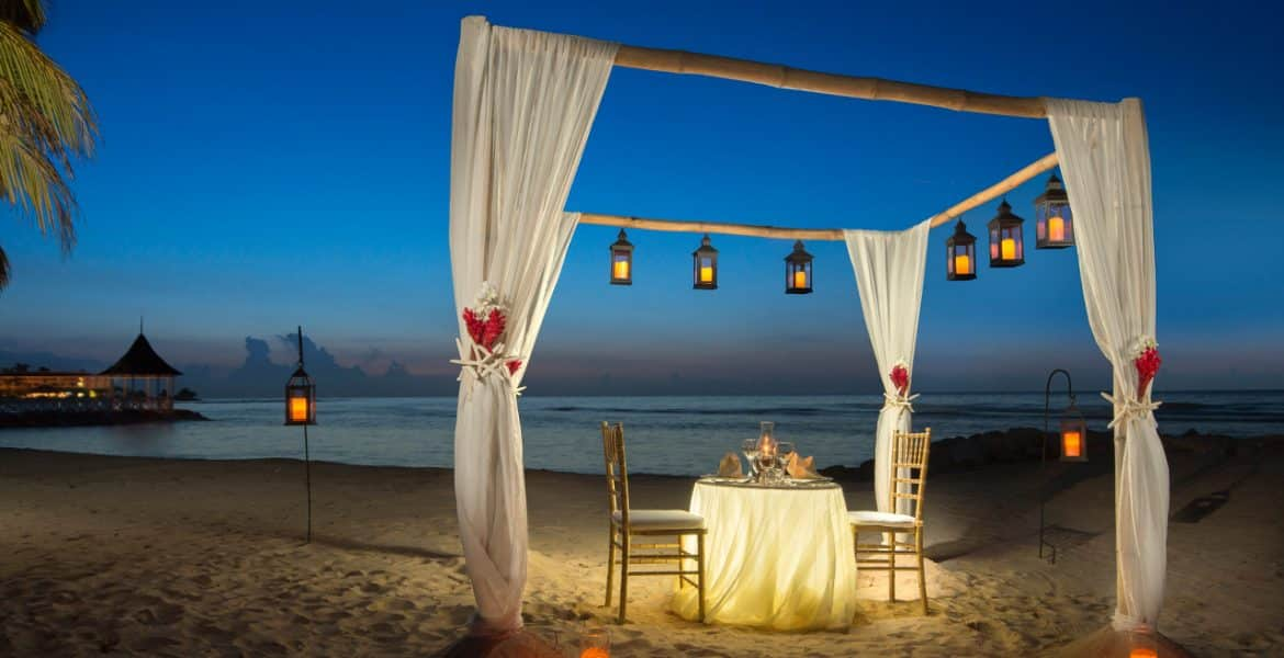 romantic-dinner-on-beach-setup-half-moon-jamaica